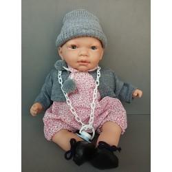 Muñeco bebé con gorro